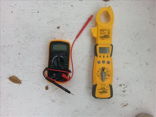 Measure the AMPs on a Blower motor or Condensing fan motor