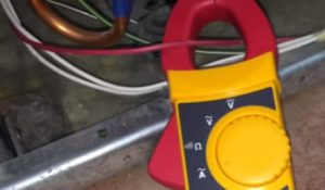 Diagnosing a Refrigerator Sealed System Problem using an Ammeter