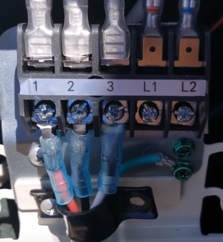 How To Wire Up a Mini Split DC wires 2