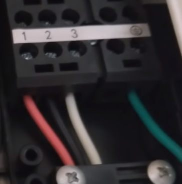 How To Wire Up a Mini Split Panel DC wires inside