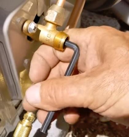 How To Vacuum Down a Mini Split Step 8