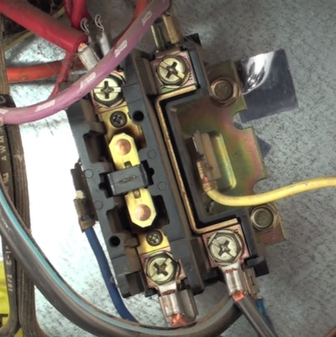Reasons an Air Conditioner Compressor Will Not Start contactor