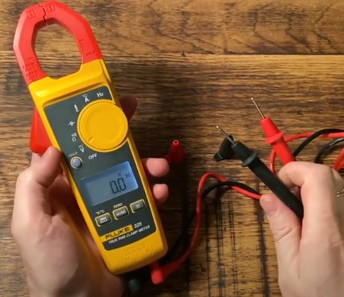 Best HVAC Multi Meters with Amp Clamp 2021 Fluke